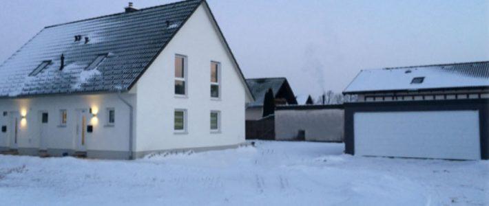 Massivhaus-Neubau mit Einliegerwohnung